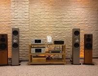 Poulissen Audio Video Center KEF